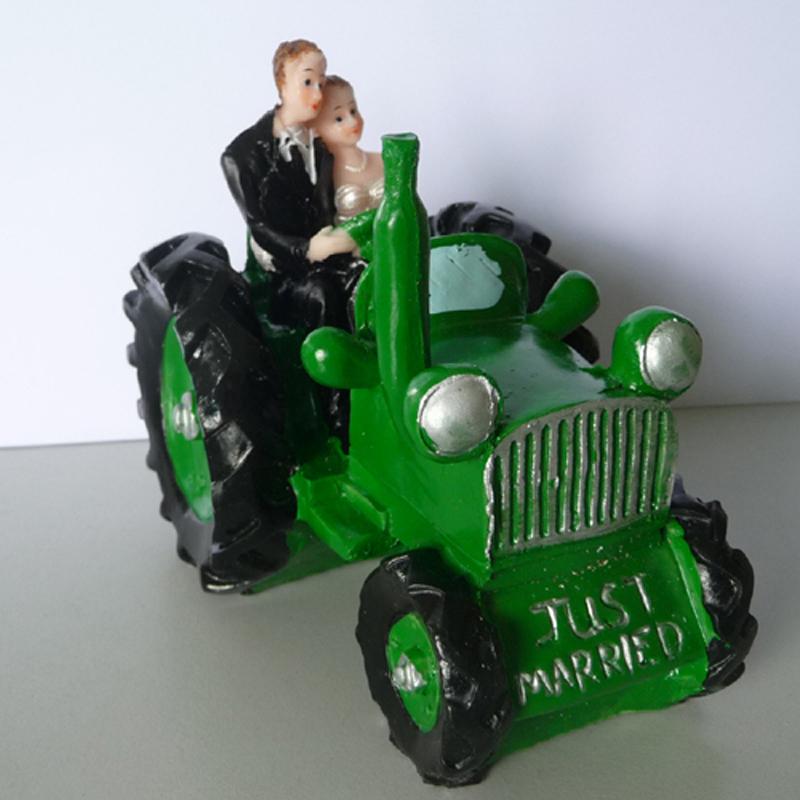 hochzeit tortendeko tortenaufsatz hochzeitspaar auf traktor ebay. Black Bedroom Furniture Sets. Home Design Ideas